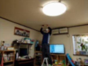 ダスキンホームリペア 室内物干し取り付けサービス作業中
